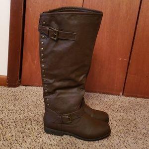 Journee boots